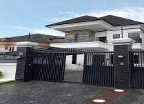 NEWLY BUILT 2UNITS MASSIVE 5BEDROOM FULLY DETACHED DUPLEX PLUS BQ WITH SOME SUPER FINISH  ON SECURED ESTATE ON CHEVRON LEKKI LAGOS. PRICE: ₦130M ASKING.