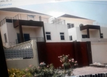 7BEDROOM MANSION BUILT ON 600SQM LAND SPACE AT LEKKI PHASE 1 LAGOS!!!