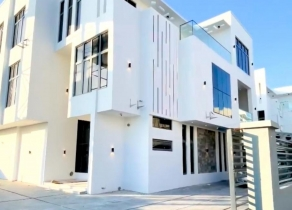 NEWLY BUILT CONTEMPORARY 5BEDROOM FULLY DETACHED DUPLEX WHITE HOUSE WITH SWIMMING POOL & MINI BAR IN A SECURED ESTATE AT OSAPA LONDON LEKKI LAGOS!!!